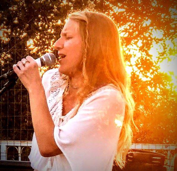 sara rosw singing